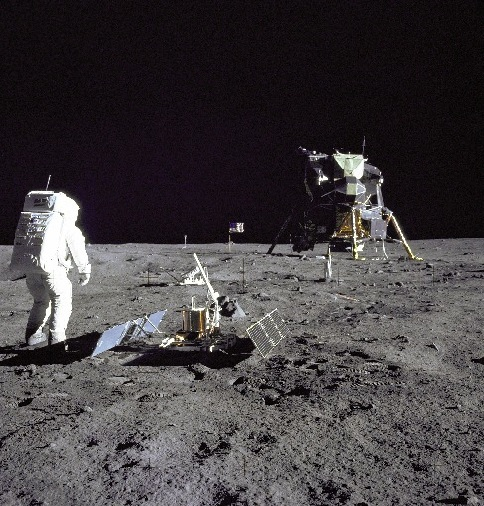 Buzz Aldrin next to the first seismometer on the moon, which he installed 40 years ago today. In the background is Eagle, Apollo's lunar lander. Photo: NASA (Click to view larger image.)