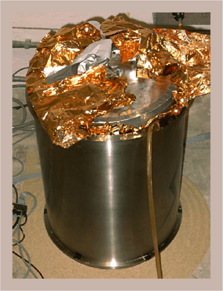 Titanium pressure vessel containing the MOBB CMG-1 package.