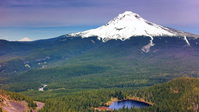 Photo of tallest peak in Oregon, Mt. Hood