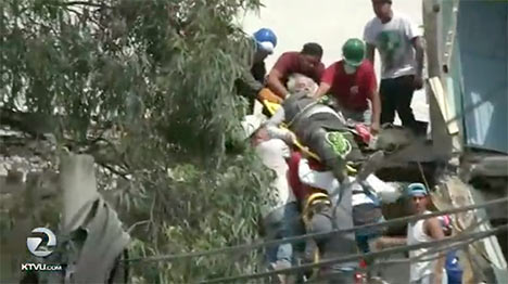 Screen shot of rescue from Mexico quake