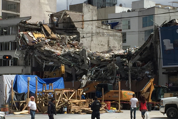 Damaged building from Mexico City quake